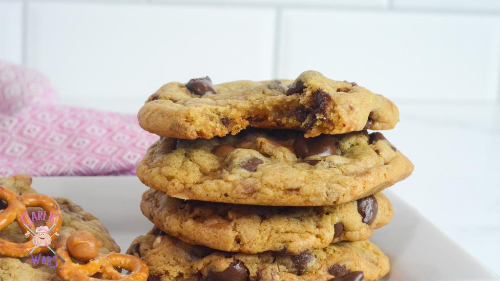 Kitchen Sink Cookies (Panera Bread Copycat Recipe)