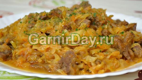 Тушеная картошка с рисом и свининой на сковороде