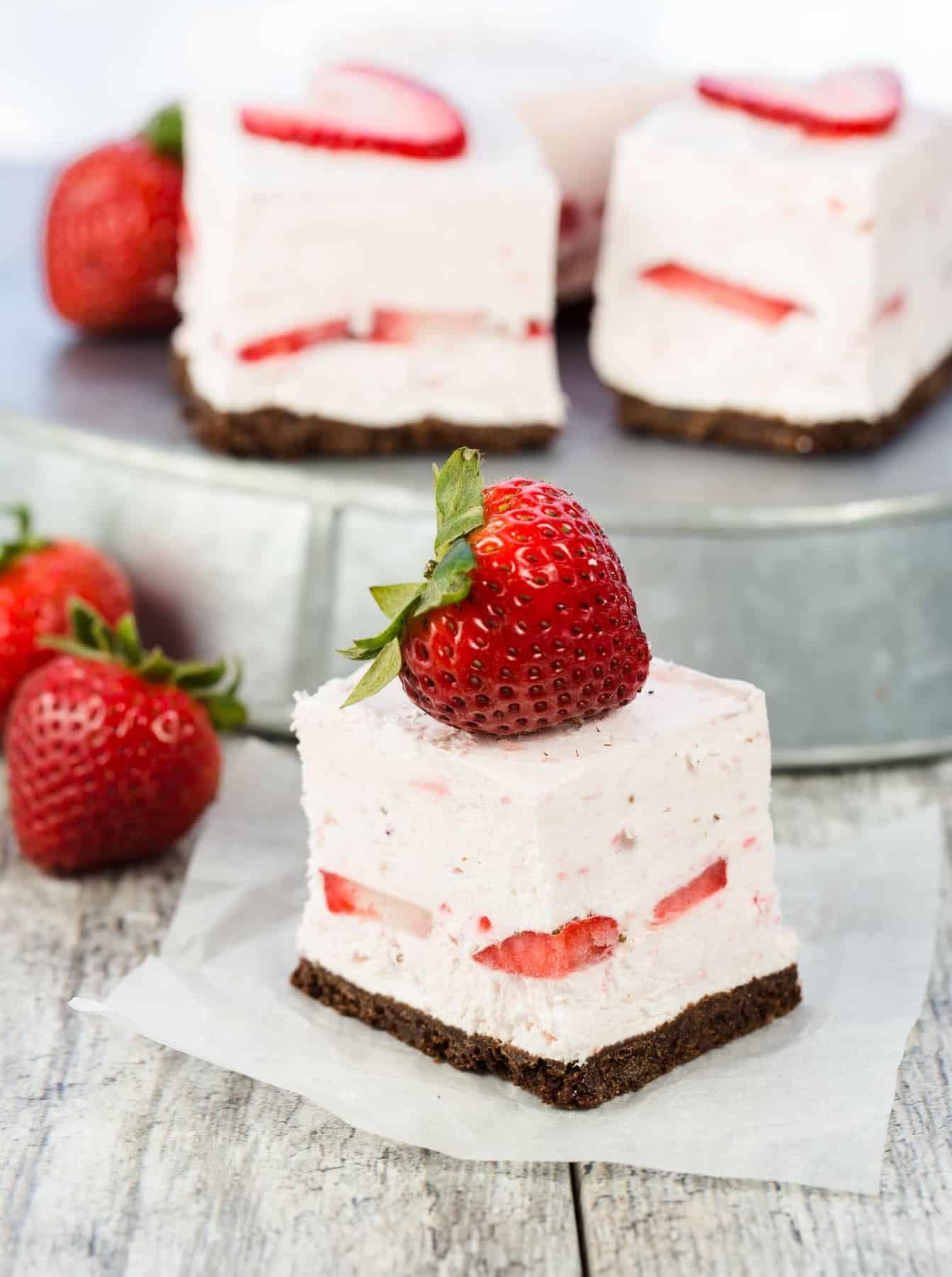 No Bake Strawberry Cheesecake Bars  Garnish with Lemon