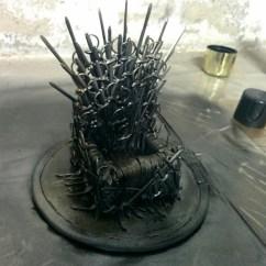 Iron Throne Chair Leather Dining Chairs Johannesburg Tutorial Como Fazer Uma Miniatura Do Trono De Ferro