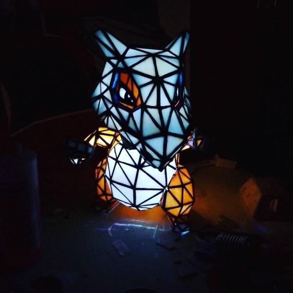 luminária-vitral-cubone
