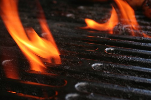 flames-on-grill_1343275