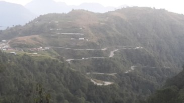 More twisting roads that Garry had just come up on the Tribhuvan Highway.