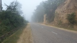 Mist on the road leaving Lamahi.