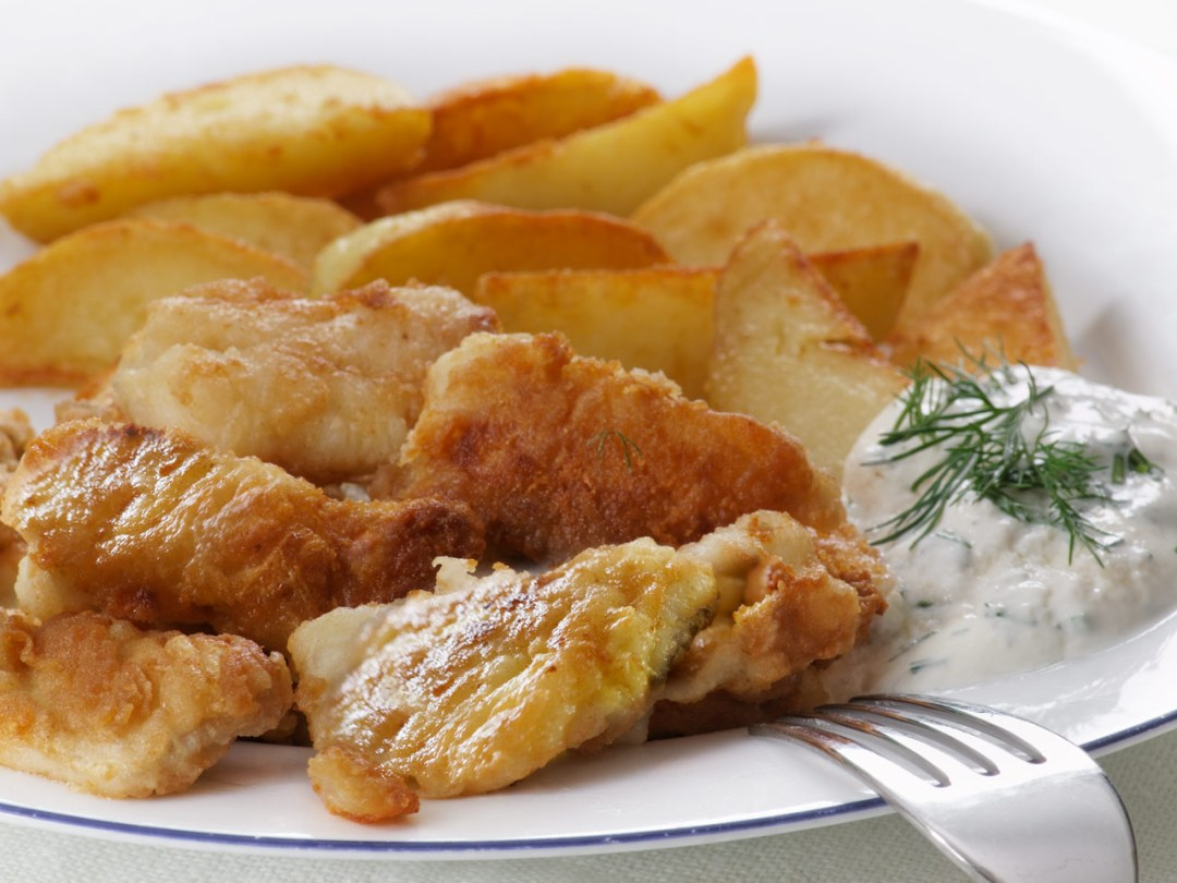 Cepta-menca-ar-kartupeliem, friteta-menca, friedcod-with-potatoes, cepta-zivs-ar-kartupeliem, fried fish-and-chips