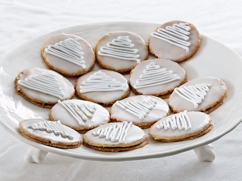 Mandeļu cepumi ar cukura glazūru