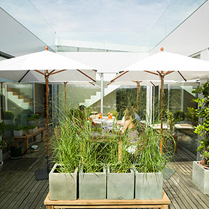 Patio, Balkon, Terrasse und Garten mit Sonnenschirmen gestalten