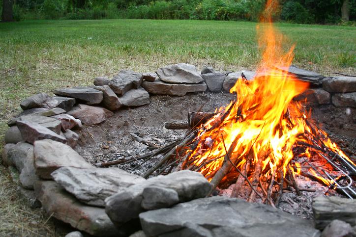 Feuerstelle im Garten  So sorgen Sie sicher fr ein kuscheliges Feuer