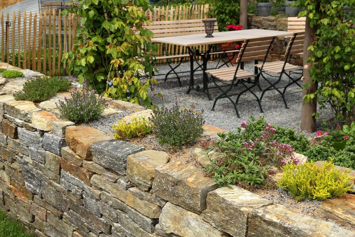 Steinmauer Garten Mediterran