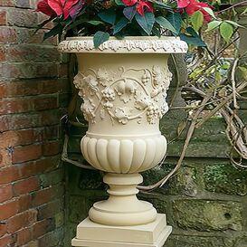 Pflanzgefäß aus Steinguss - Burghley House