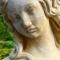 Antike Garten Steinfigur mit Akt - Cerina  Gartentraum.de