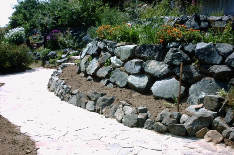 steinmauer garten selber bauen » terrassenholz, Gartenarbeit ideen