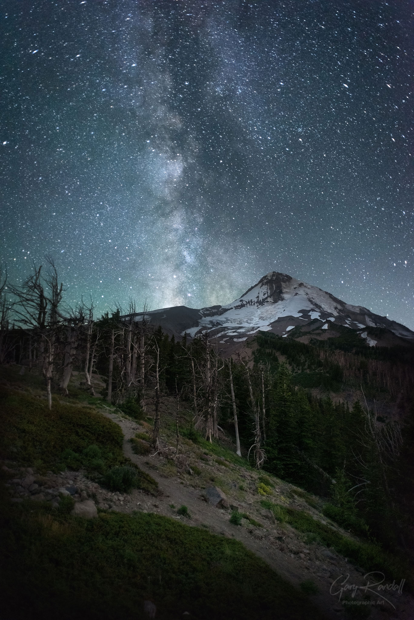 The Milky way over Mount Hood
