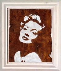 Walnuss Maser Furnier, lackiert. Fichtenrahmen, weiß lasiert. Walnut Burl veneer painted, white stained Spruce frame. 87cm x 74cm x 11cm