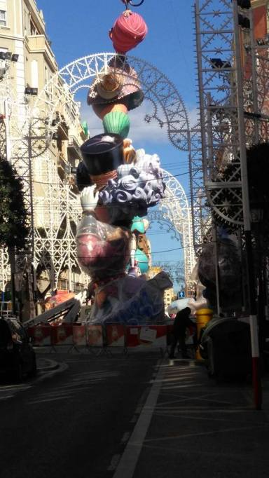 Falla under construction in Rusafa, 2016