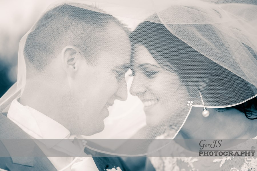 Mick and Lisa | White Heart - Lydgate Wedding Photography Highlights