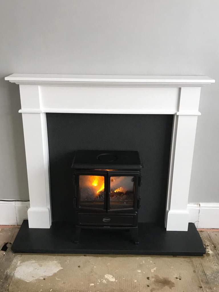 Kensington wooden surround with Dimplex Optymyst stove