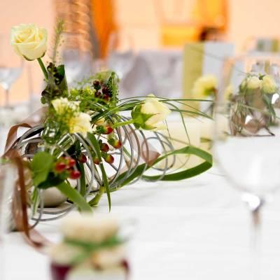 tolle Tischdekorationen und individuelle Speisekarten für Ihre Veranstaltung im Salzhof