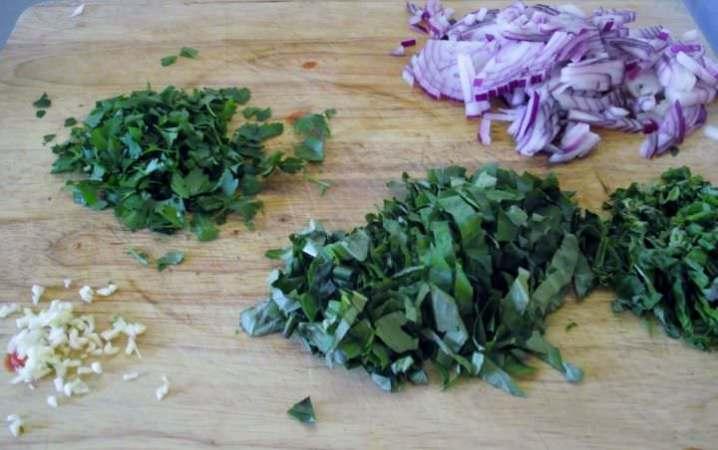 Ingredients for marinara.
