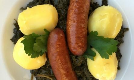 Grünkohl Knacker und Kartoffeln
