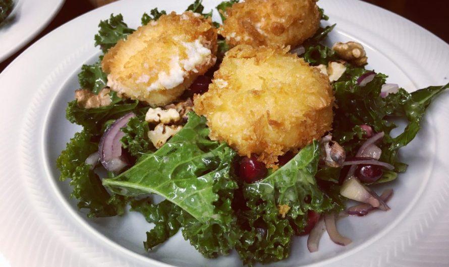 Rezept: Grünkohlsalat mit Granatapfel und Walnuss