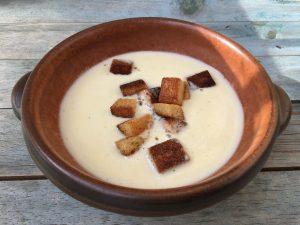 Vorspeise Sellerie-Birnen-Gorgonzola-Suppe