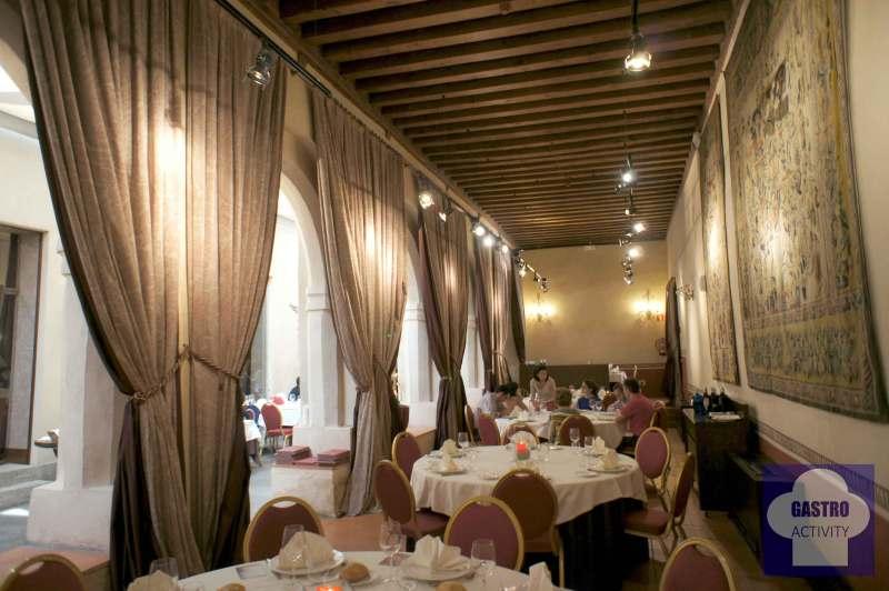 Salon comedor del restaurante San Antonio El Real