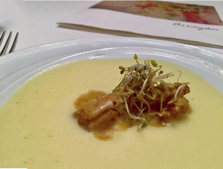 Cigala thai con coco y espuma de maiz Restaurante Arrayan Madrid