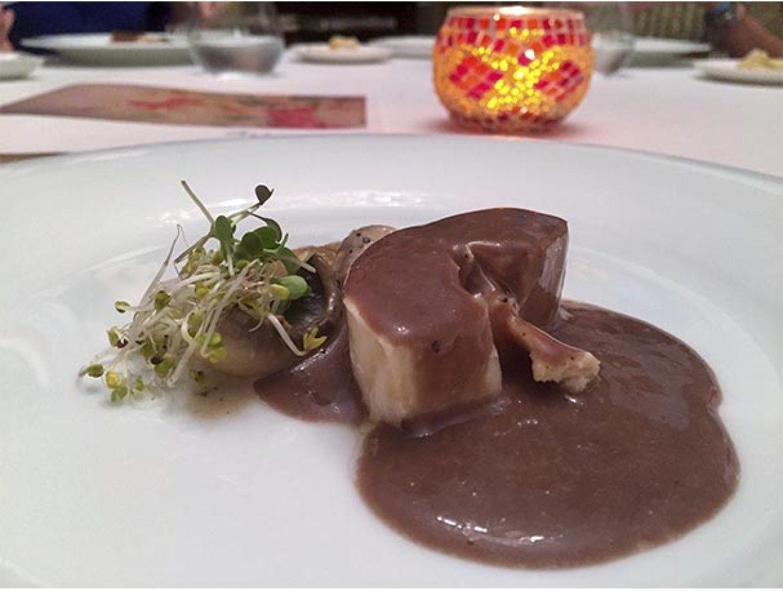 Salmis de pularda con vino tinto y foieRestaurante Arrayan Madrid
