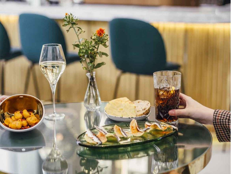 Garra Bar en el Hotel Barcelo Torre de Madrid Tapas y Picoteo