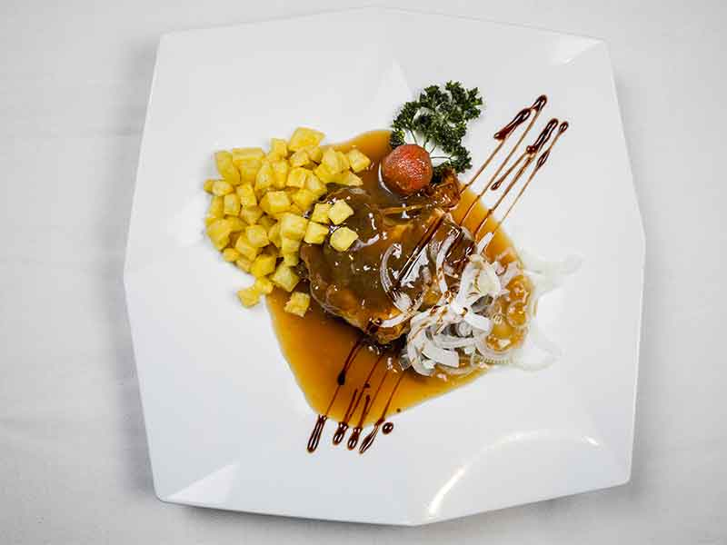 Tronco de atun con salsa de perdiz Restaurante Hevia