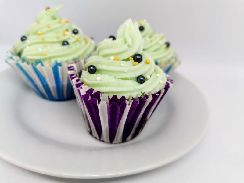 Mørke cupcakes med frosting