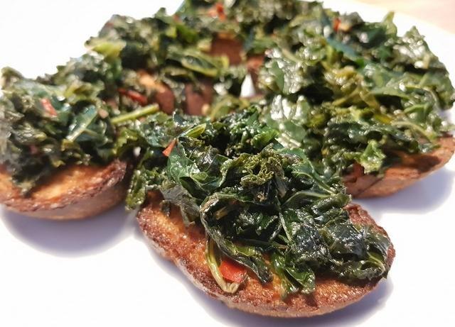 Crostini med grønkål