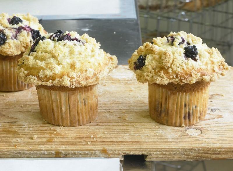 Blåbærmuffins med smuldredej