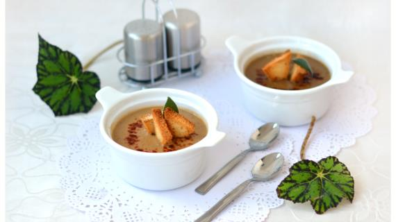 Lentil and golden vegetable puree soup