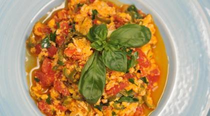 Турецкая яичница menemen, пошаговый рецепт с фото