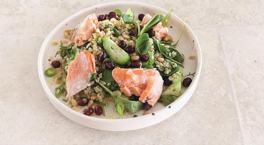 Салат из булгура с рыбой. Шаг 6