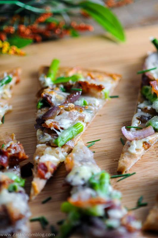 Bacon and Blue Cheese Flat Bread