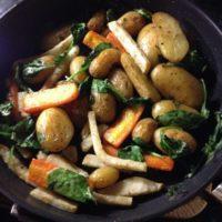 Пресни Картофи със Зеленчуци-New Potatoes with Root Vegetables аnd Spinach