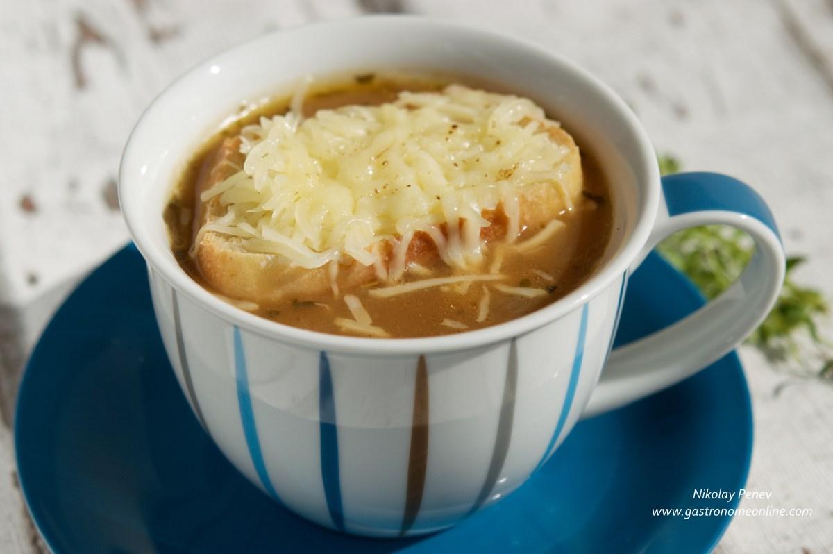 Authentic French Onion Soup / Френска лучена супа-автентична рецепта