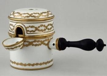 Chocolatière ancienne en porcelaine de Sèvres