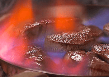 Pavés de bœuf flambés au cognac
