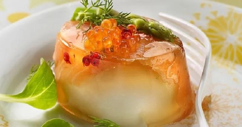 Aspic à l'œuf et aux œufs de saumon