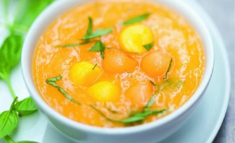 Soupe de melon, mangue et basilic