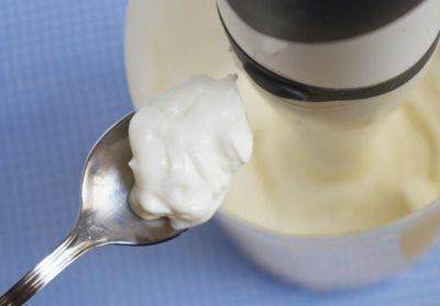 veganesa espesa, con 3 partes de aceite y 1 de leche de soja © 2012 CreatiVegan
