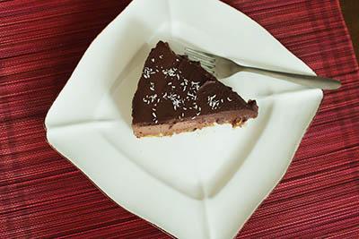 Chocolate Raw Cake - HolaVegan