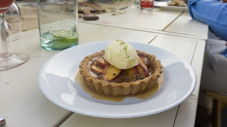savor the summit main street 2015 zoom grilled peach tart