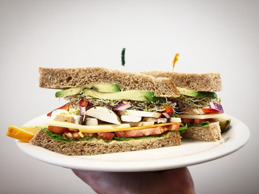 Veggie sandwich (Delice Bakery And Cafe)