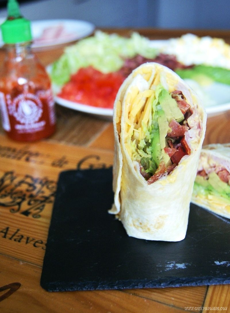 club wraps con mayonesa de sriracha