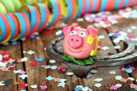 GASTRO Portal wünscht guten Rutsch Glücksschwein